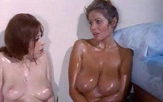 Uschi Digard & Jennie Lynn, Lesbian scene