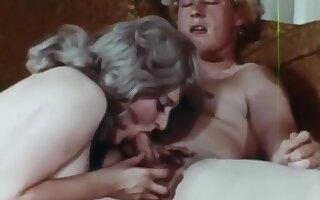 MILF seduces daughters boyfriend- vintage