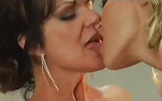 Z44B 107 Woman's Craves